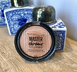 Maybelline Master Chrome Metallic Highlighter, $9.99. Shade shown: Molten Gold